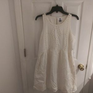 BNWT Old Navy white dress with pattern size M